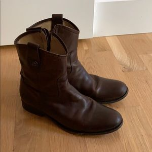 Frye Melissa short boots 9 brown side zip